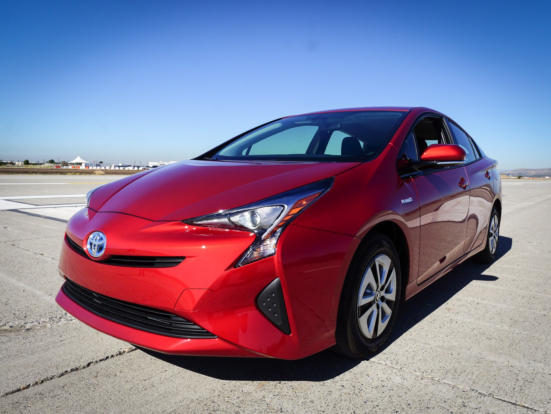 review the 2016 toyota prius is a marvel of modern engineering. Black Bedroom Furniture Sets. Home Design Ideas