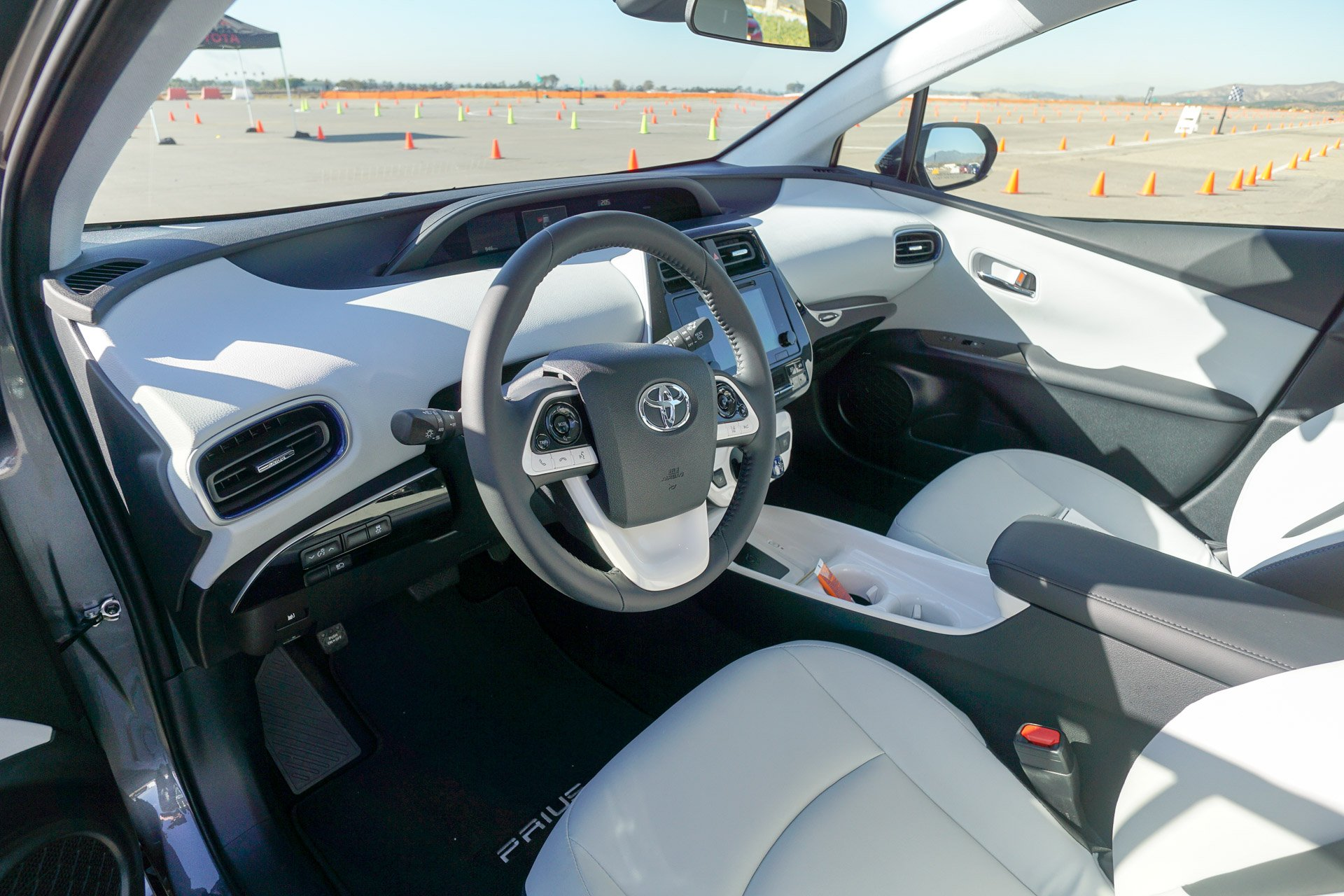 Review the 2016 toyota prius is a marvel of modern engineering technabob for Toyota prius moonstone interior