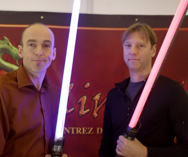 Calimacil Glowing Foam Lightsaber: There Is No Part of This Blade That Cuts