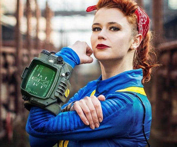 Fallout 4 Vault Dweller Costume: 111/10