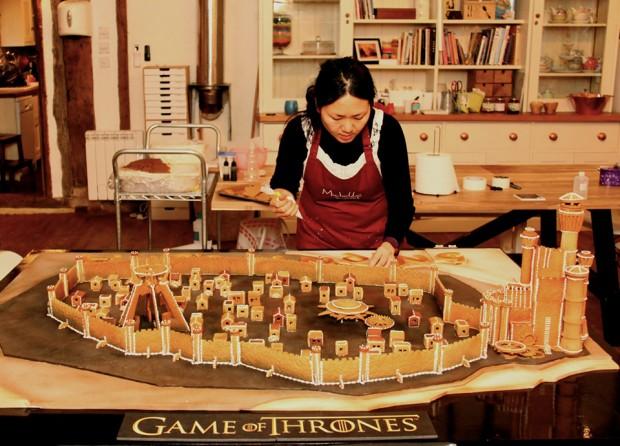 game_of_thrones_kings_landing_gingerbread_by_michelle_sugar_art_3