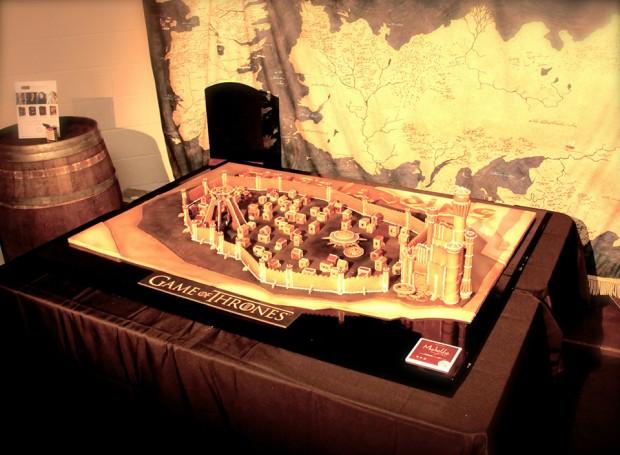 game_of_thrones_kings_landing_gingerbread_by_michelle_sugar_art_5