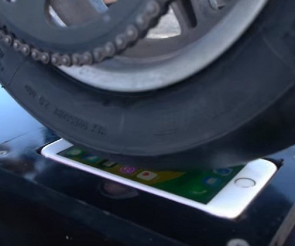 What Happens When You Do a Burnout on an iPhone 6S?