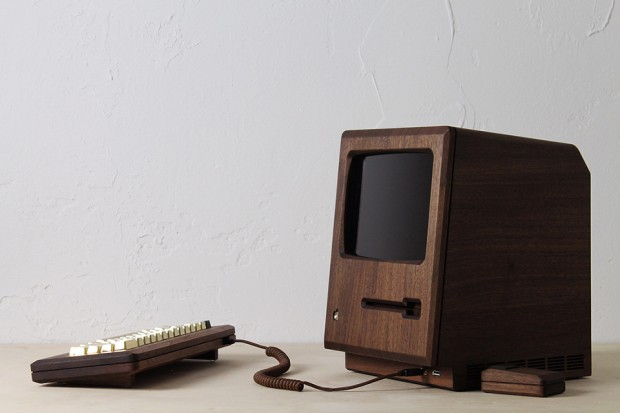 macintosh_128k_wood_replica_golden_apple_by_love_hulten_12