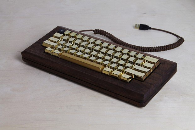 macintosh_128k_wood_replica_golden_apple_by_love_hulten_7