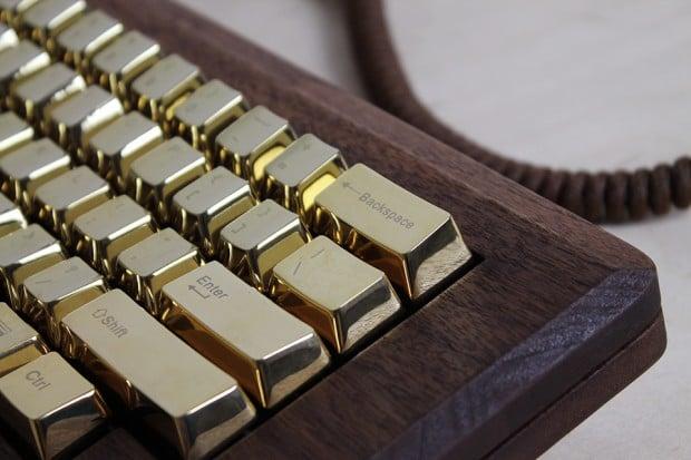 macintosh_128k_wood_replica_golden_apple_by_love_hulten_9