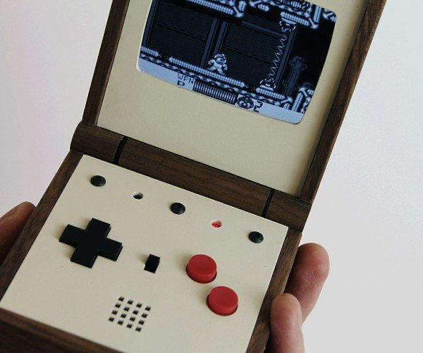 pixel_vision_retro_portable_game_system_by_love_hulten_5