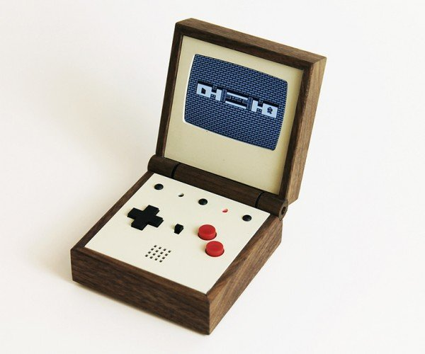 pixel_vision_retro_portable_game_system_by_love_hulten_8
