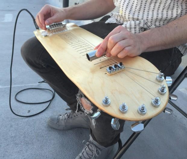 skateboard_guitar_1