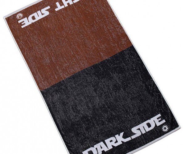 Light Side/Dark Side Bath Towel: Dry Your Bum with the Dark Side