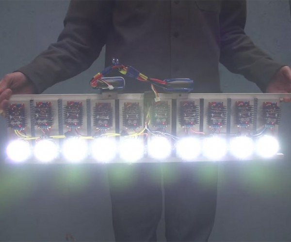 Homemade LED Flashlight Packs 90,000 Lumens of Retina Searing Light