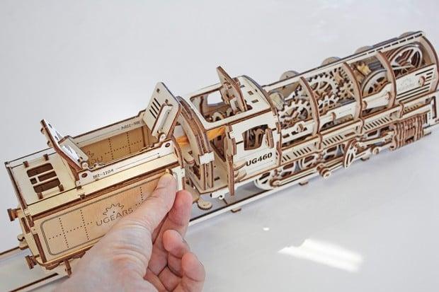 ugears_wooden_mechanical_models_2