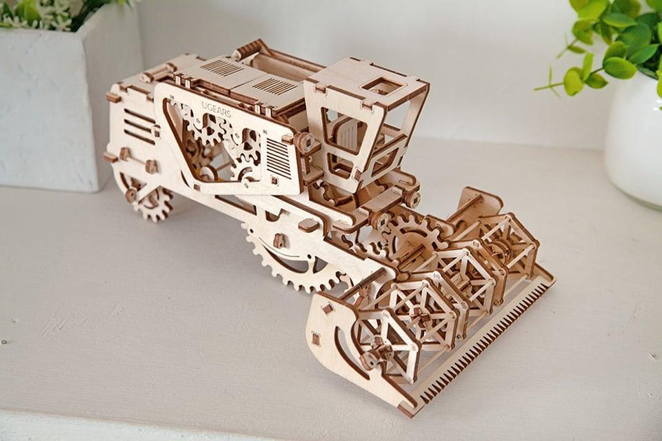 UGears Wooden Mechanical Models: Rubberpunk - Technabob