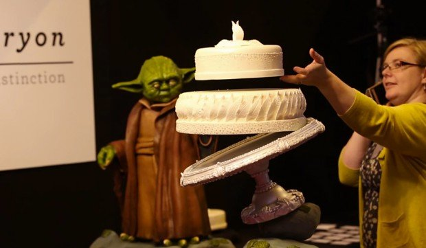 Yoda Cake with Floating Wedding Cake: A Jedi Craves This Thing - Technabob