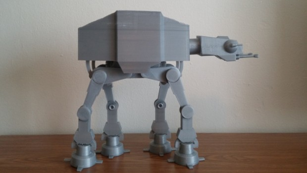 3d_printed_motorized_at-at_by_daniel_olson_2