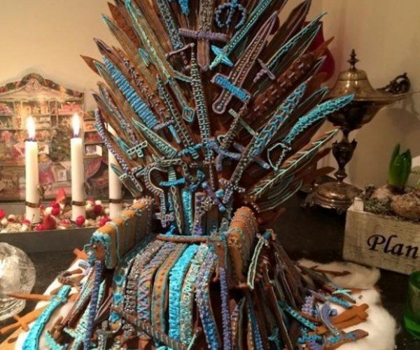 The Gingerbread Iron Throne is Mine by Rights – All Those Who Deny That Are My Foes