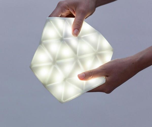 Deal: Save 15% on the Portable LED Kangaroo Light