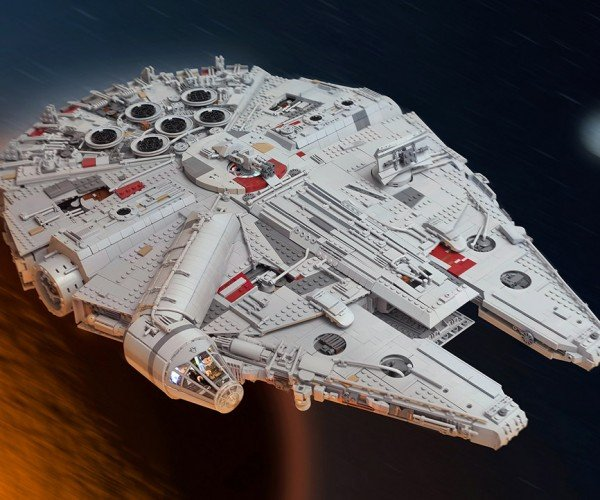 Fan Made Star Wars VII LEGO Millennium Falcon is Definitely Not Garbage