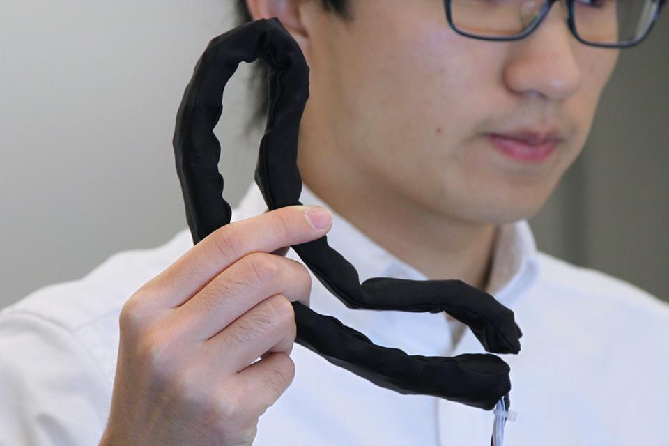 LineFORM Shape-changing Robot: Jake the Snake - Technabob