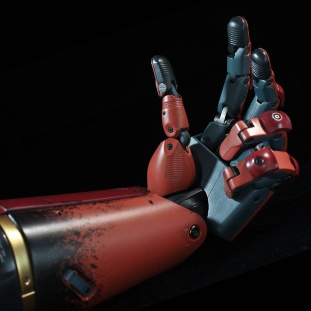 metal_gear_solid_v_life_size_bionic_arm_by_sentinel_5