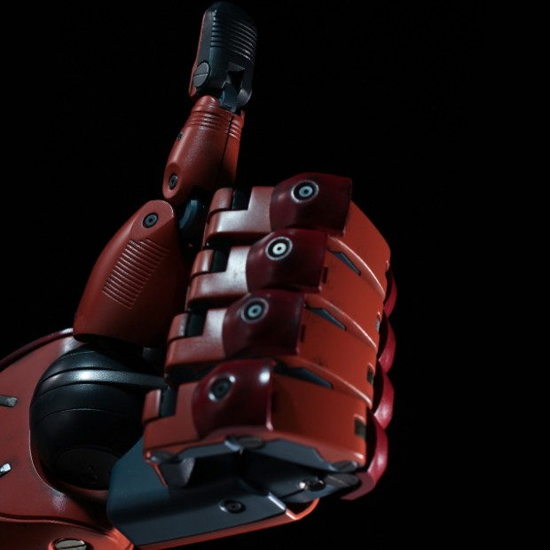 metal_gear_solid_v_life_size_bionic_arm_by_sentinel_7