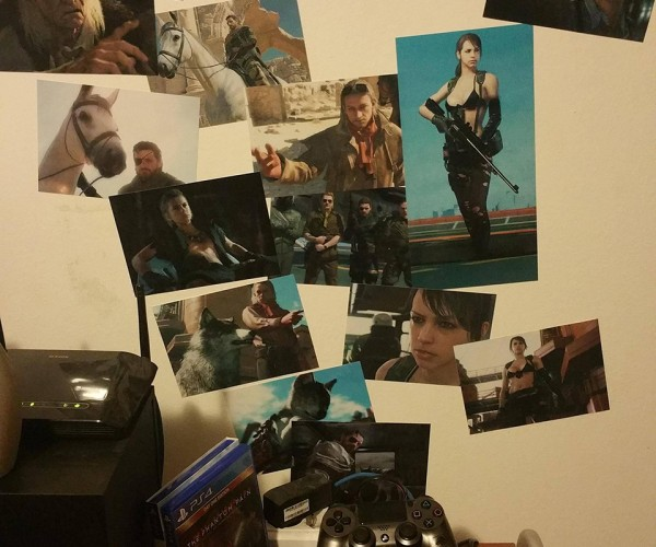DIY Metal Gear Solid V Chopper Photo Wall: Fulton Album