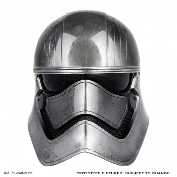 star_wars_force_awakens_captain_phasma_life_size_helmet_by_anovos_1