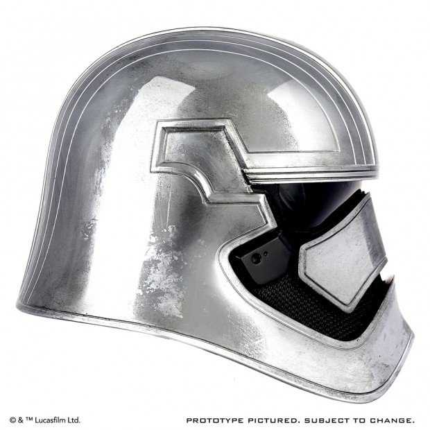 star_wars_force_awakens_captain_phasma_life_size_helmet_by_anovos_4