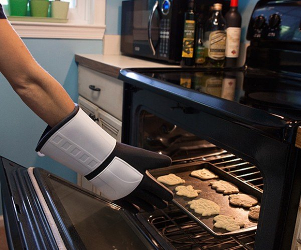 Stormtrooper Oven Mitt: Finn the Baker