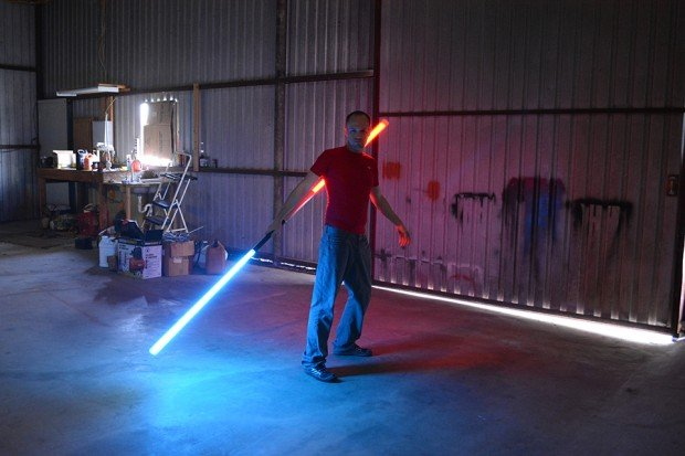 valence_saber_bluetooth_lightsaber_replica_7