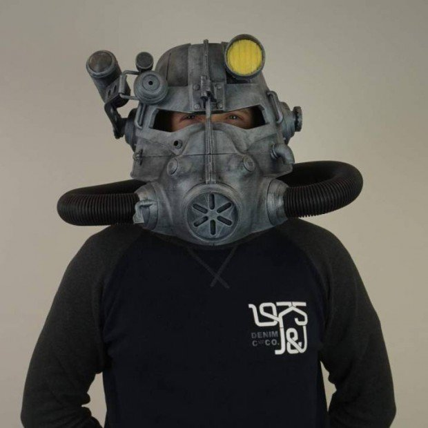 3d_printed_fallout_power_armor_helmet_by_daniel_lilygreen_1