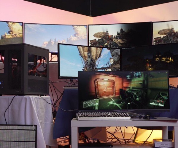 Custom PC Handles 7 Virtual Gaming Systems at Once: Hydra of Linus