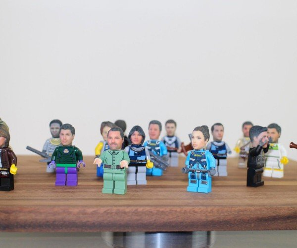 Custom LEGO Minifigs Get You aHEAD