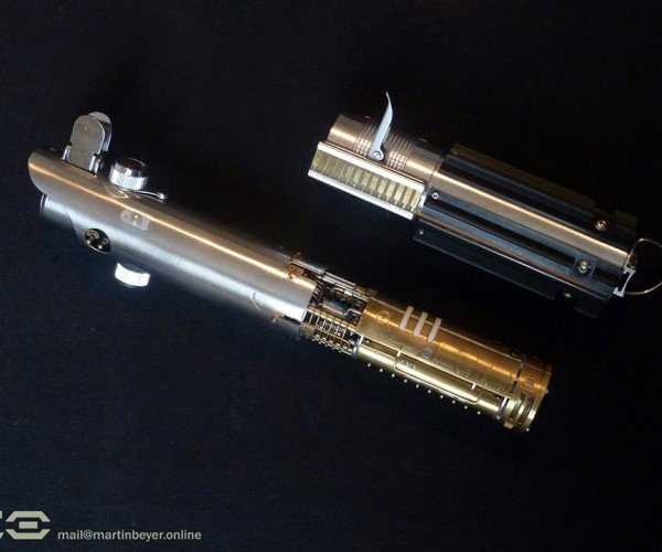 Graflex Saber Hand-made Skywalker Lightsaber Calls to Us