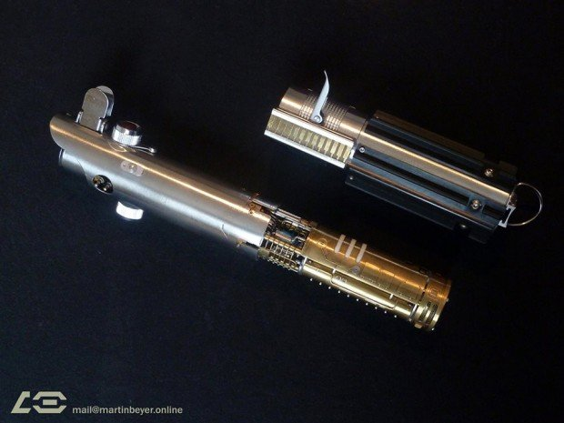 graflex_saber_skywalker_lightsaber_prototype_by_martin_beyer_1
