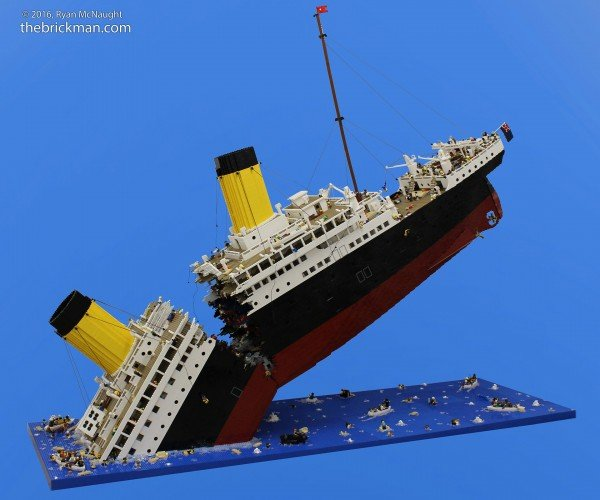 Titanic Disaster Model in LEGO: I'm the Minifig of the World!