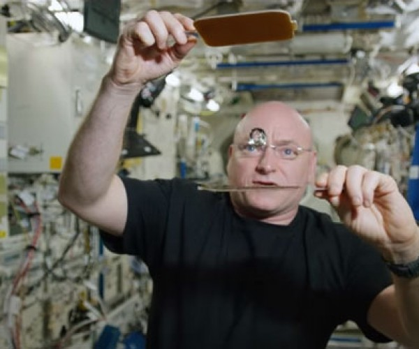 Super-Hydrophobic Paddles Let ISS Astronaut Play Liquid Ping-Pong