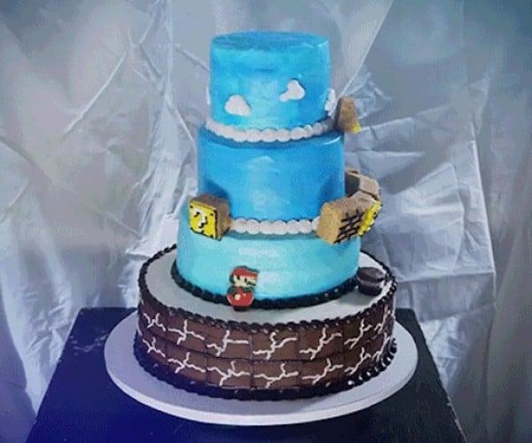 Super Mario Bros. Animated Cake Replicates World 1-1