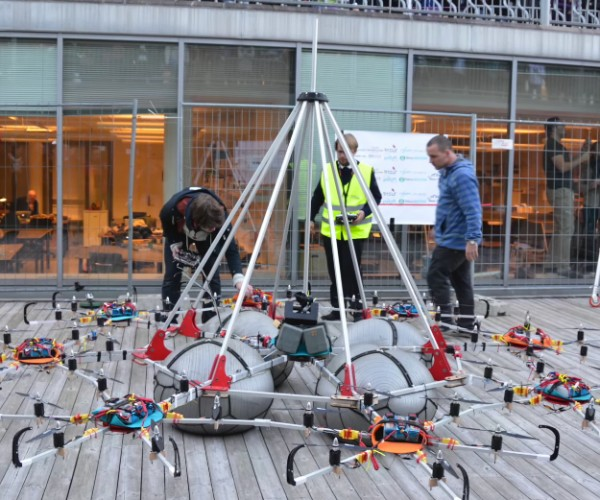 Megacopter Sets Guinness World Record for Lifting Heaviest Payload