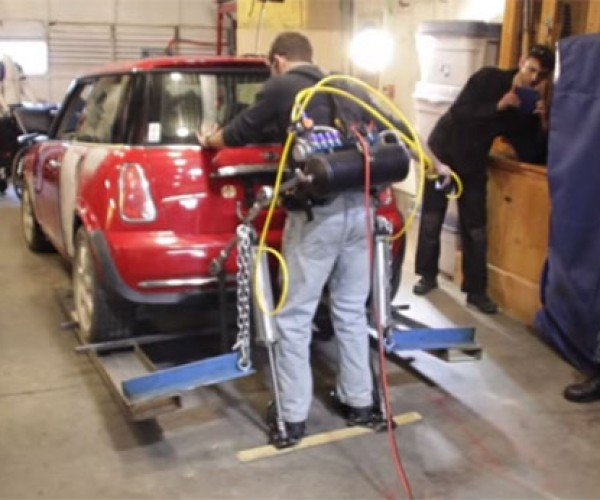 DIY Exoskeleton Lifts the Rear of a Mini Cooper