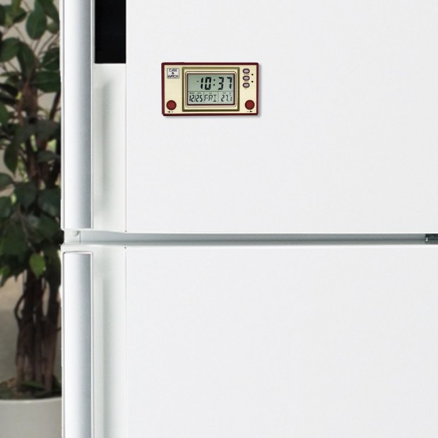 nintendo_famicom_clock_fridge_magnet_by_columbus_circle_3