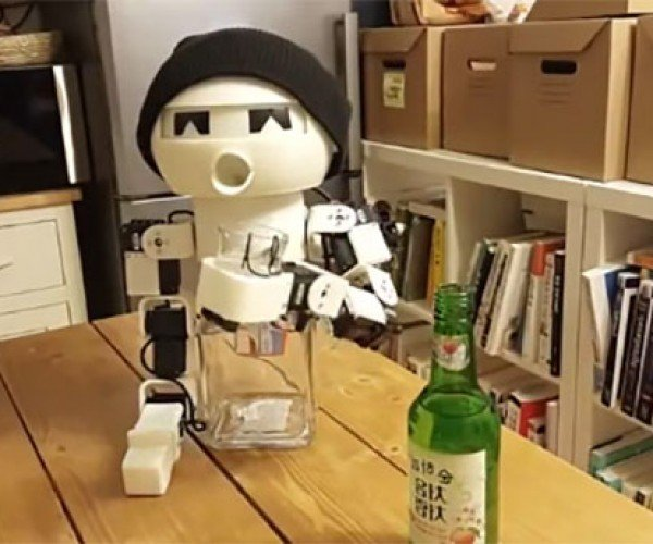Robot Drinky is Your Robotic Drinking Buddy