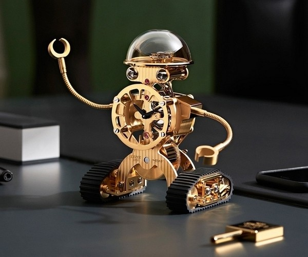 MB&F Sherman Desk Clock: RoboClock