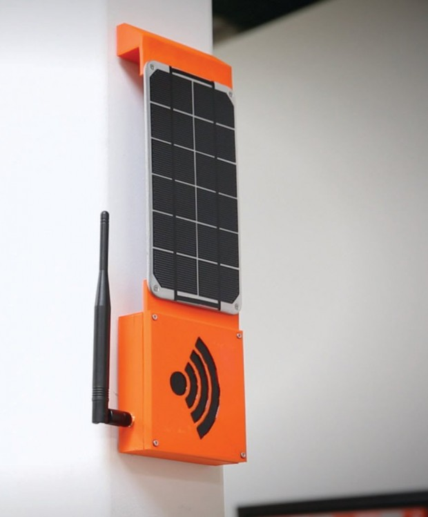 sparkfun_rogue_router_solar_powered_file_server_1