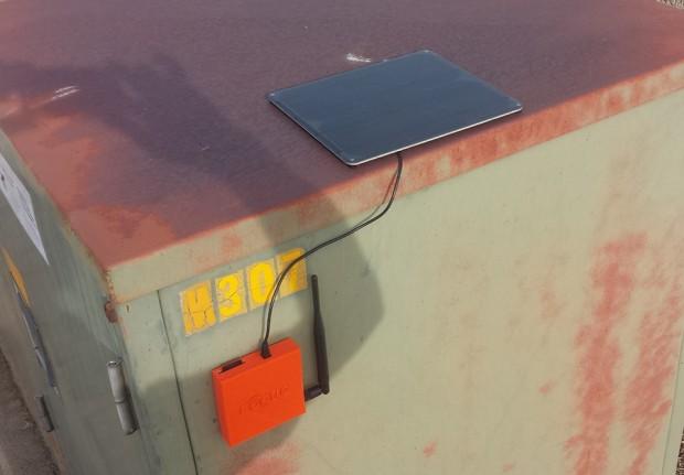 sparkfun_rogue_router_solar_powered_file_server_2