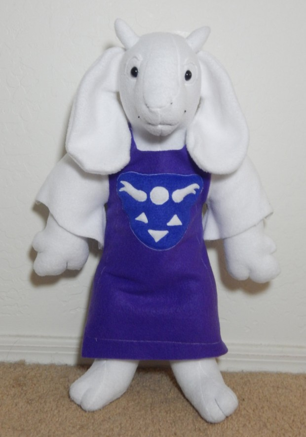 undertale_toriel_plush_by_cerbcraft_1