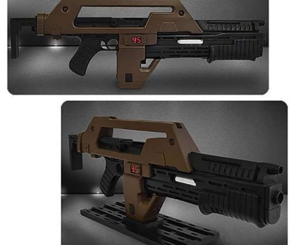 Aliens M41A1 Pulse Rifle Replica: Kill the Queen