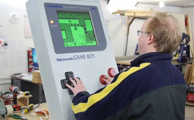ben_heck_giant_game_boy_1