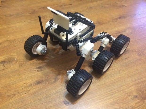 diy_3d_printed_remote_controlled_waterproof_rover_by_misha_larkin_2