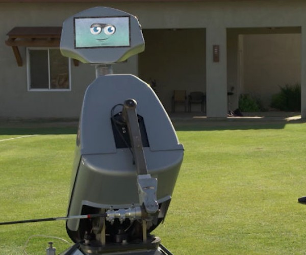Golf Robot Makes Hole-In-One